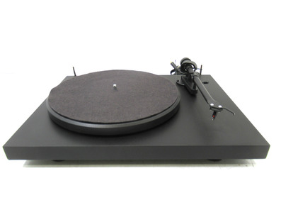 Pro-Ject Debut 3 Turntable