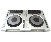 Pioneer CDJ-850 Multi Players (Pair)
